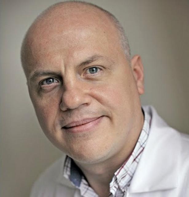 dr Konrad Slynarski